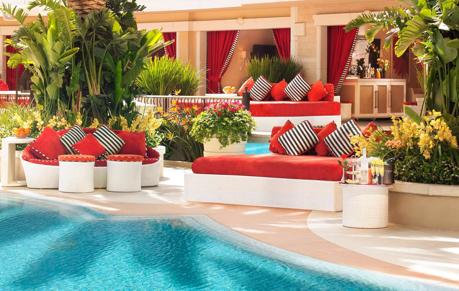 Pool - Wynn Resort & Encore Resort Las Vegas