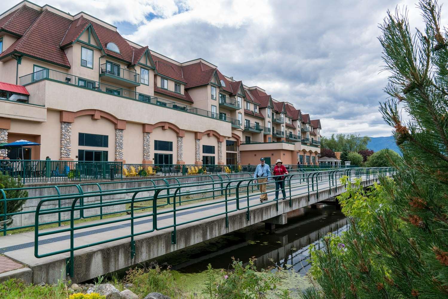 Exterior view - Prestige Harbourfront Resort Salmon Arm