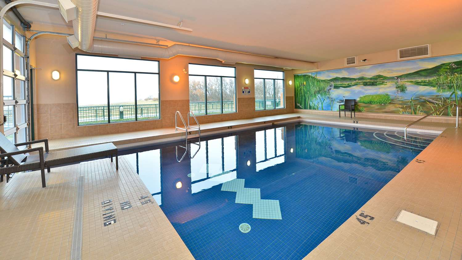 Pool - Prestige Harbourfront Resort Salmon Arm