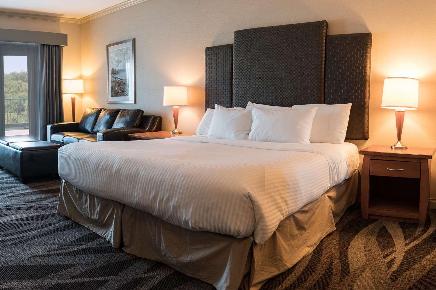 Room - Prestige Harbourfront Resort Salmon Arm