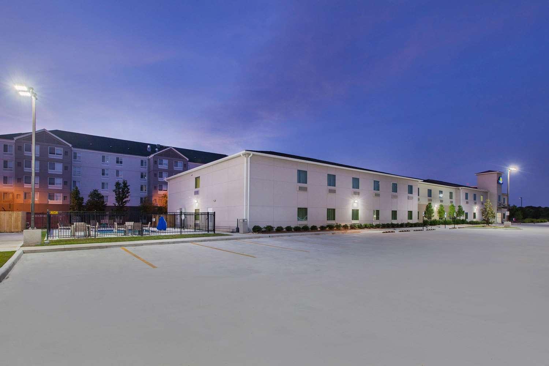 Exterior view - Days Inn Airport Baton Rouge
