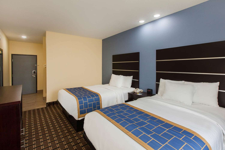 Room - Days Inn Airport Baton Rouge