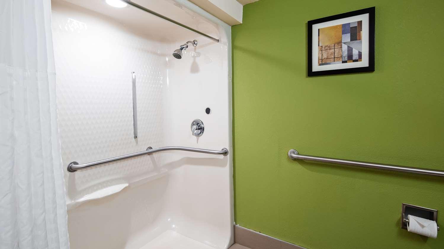 Room - SureStay Plus Hotel by Best Western Macon