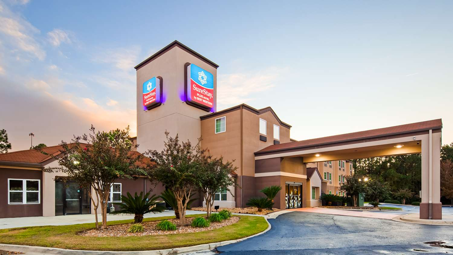 Exterior view - SureStay Plus Hotel by Best Western Macon