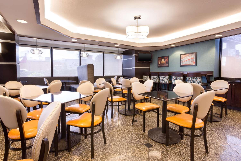 Restaurant - Drury Inn & Suites Greensboro