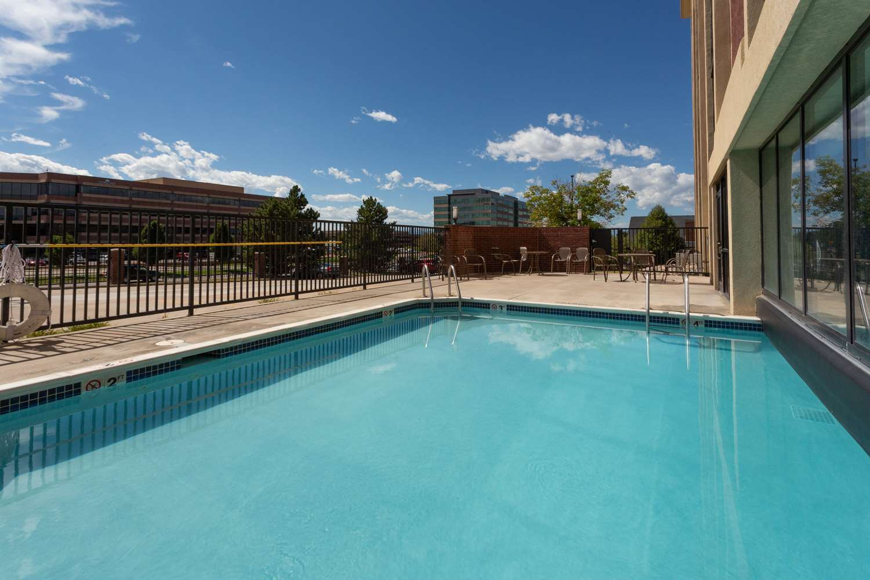Pool - Drury Inn & Suites Tech Center Englewood