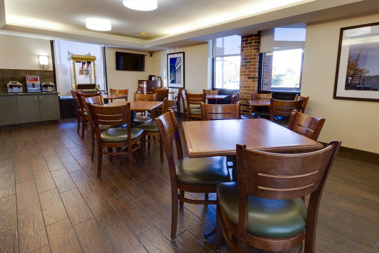 Restaurant - Pear Tree Inn Fenton