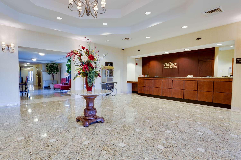 Lobby - Drury Inn & Suites St Joseph