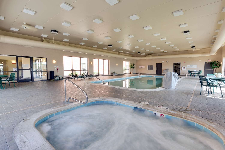 Pool - Drury Inn & Suites St Joseph