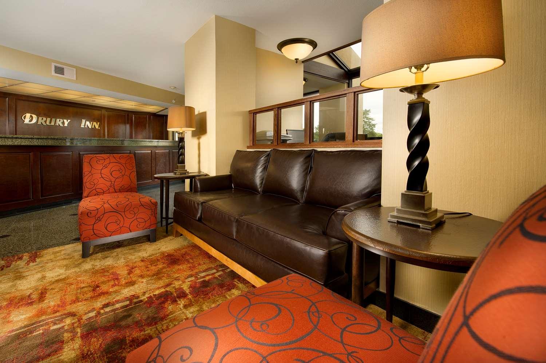 Lobby - Drury Inn Merriam