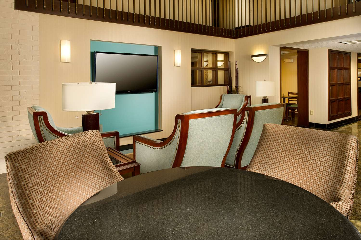 Lobby - Drury Inn & Suites Stadium Kansas City