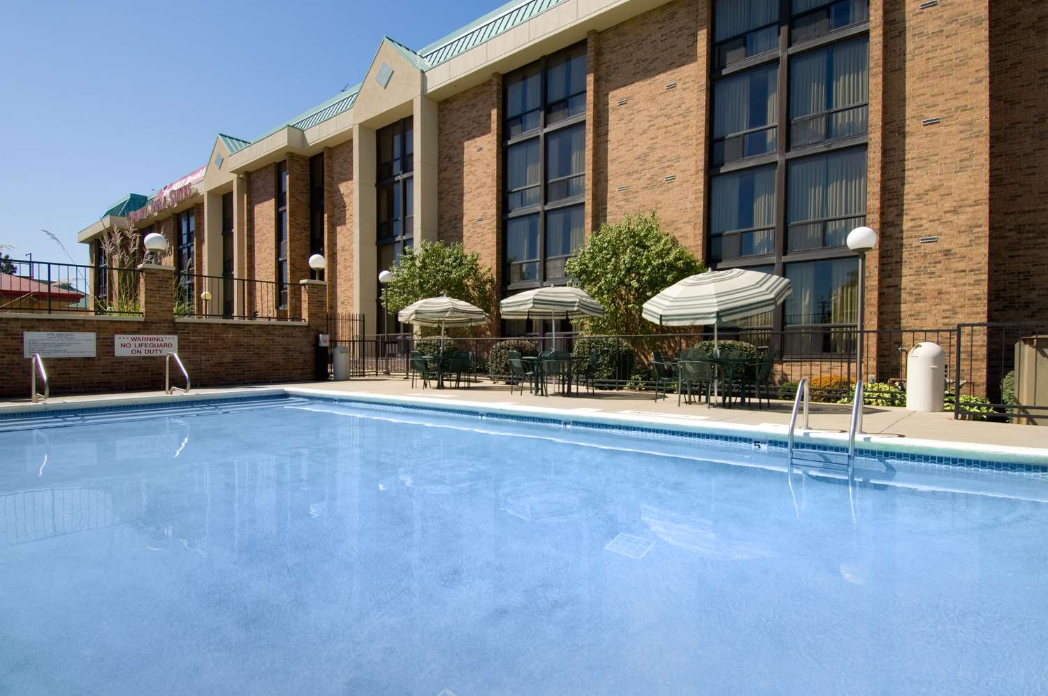 Pool - Drury Inn & Suites Stadium Kansas City