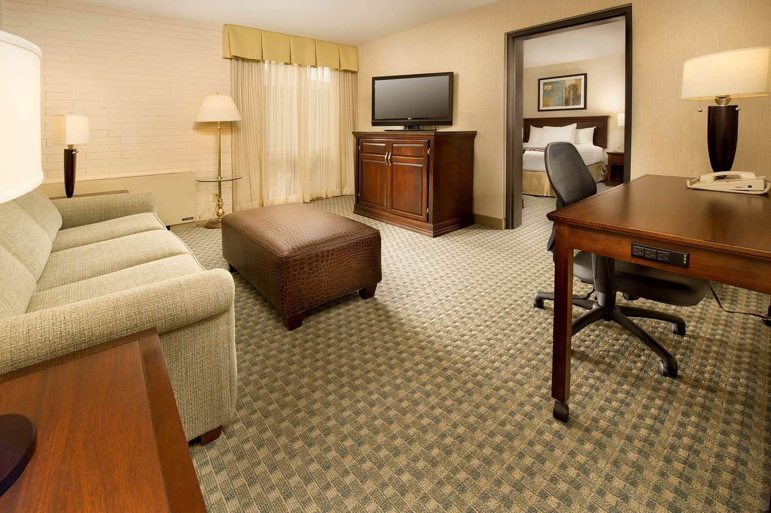 Room - Drury Inn & Suites Stadium Kansas City