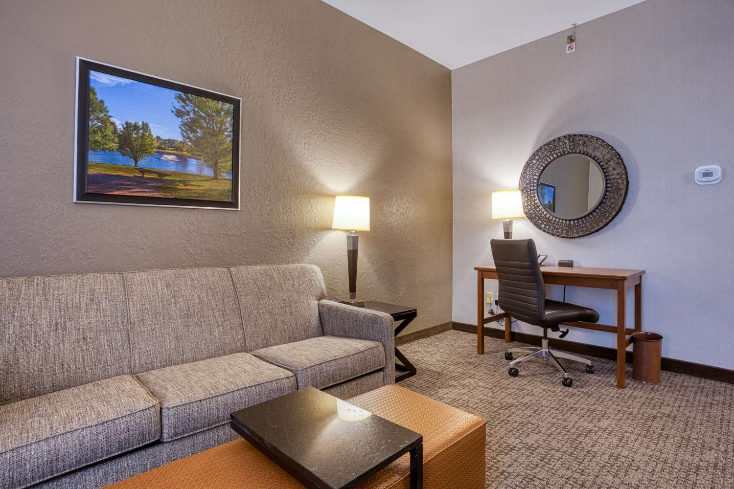 Suite - Drury Inn & Suites Fairview Heights