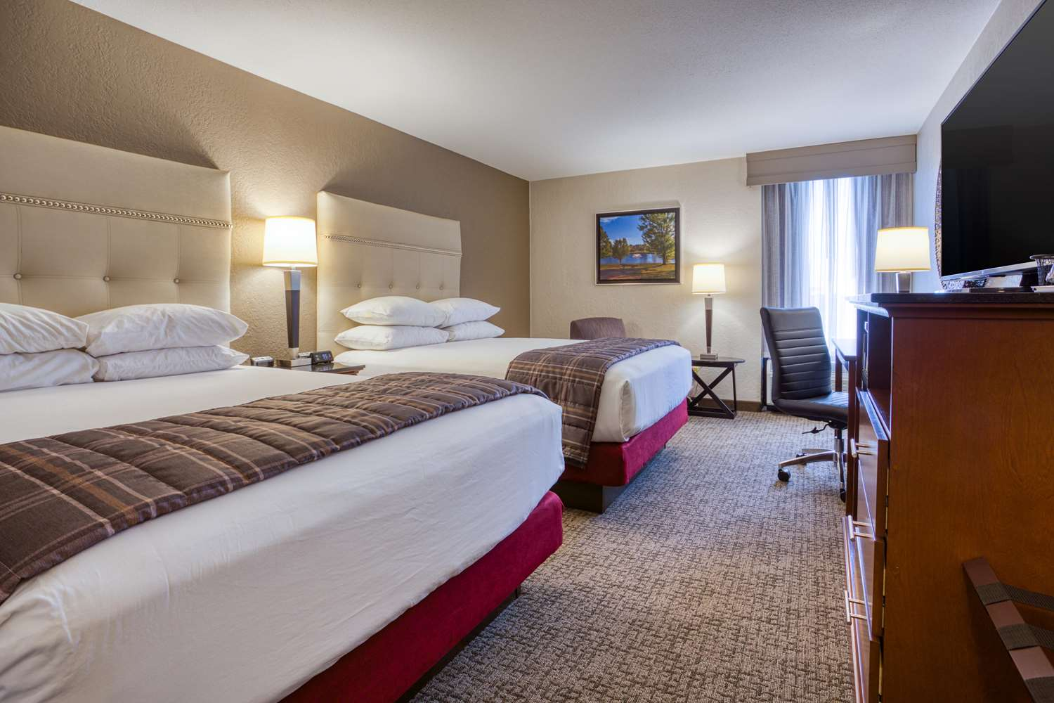 Room - Drury Inn & Suites Fairview Heights