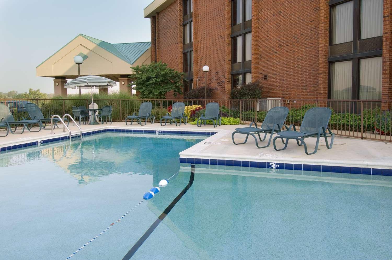 Pool - Pear Tree Inn Arnold