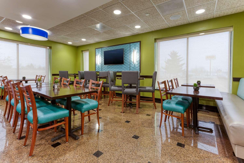 Restaurant - Drury Inn & Suites Fenton
