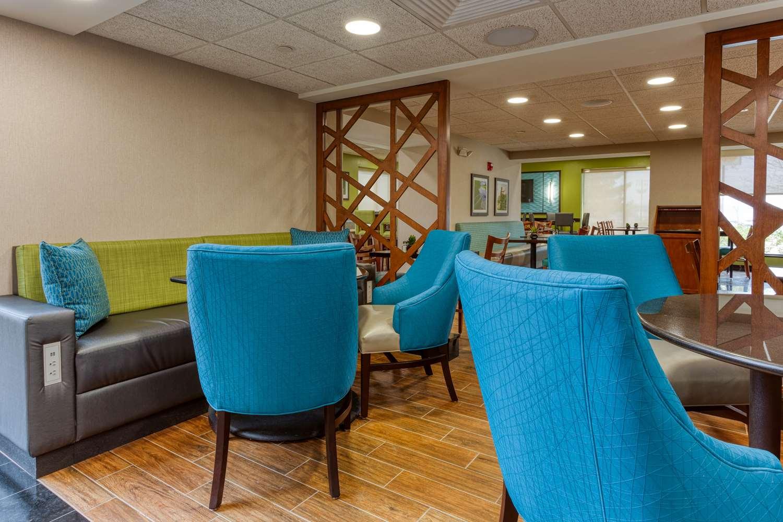 Lobby - Drury Inn & Suites Fenton