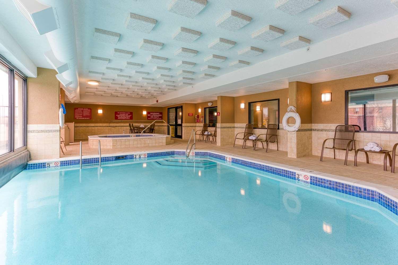 Pool - Drury Inn & Suites Fenton