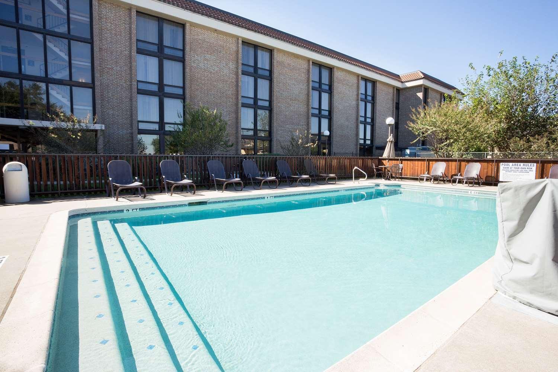 Pool - Drury Inn & Suites North Austin