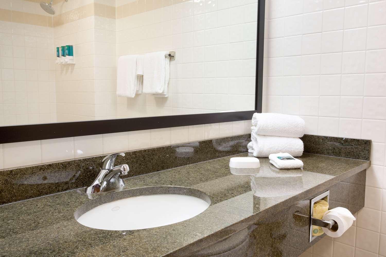 Room - Drury Inn & Suites North Austin