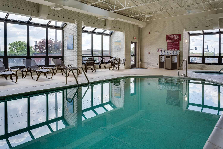Pool - Drury Inn Columbia