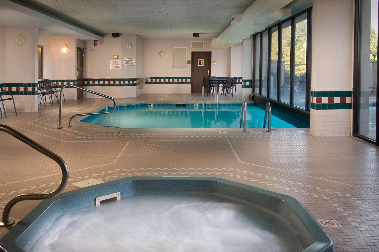 Pool - Drury Inn & Suites Springfield