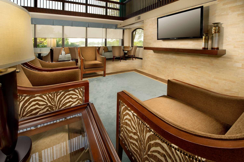 Lobby - Drury Inn & Suites St Peters