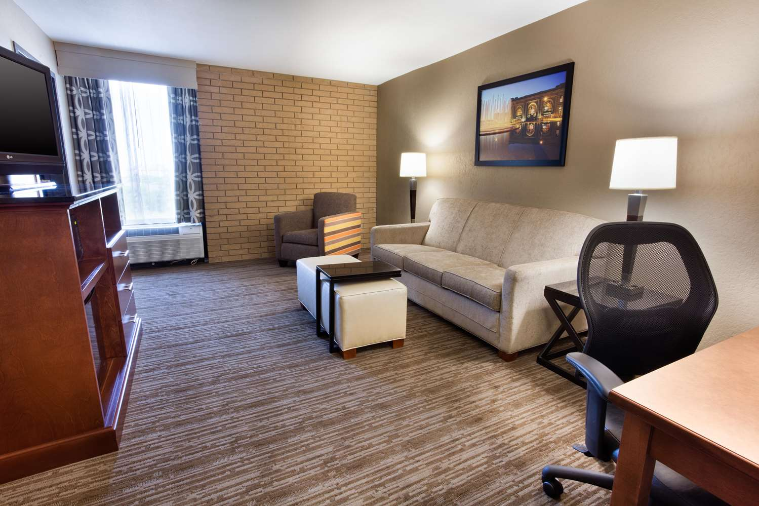 Room - Drury Inn & Suites Airport Kansas City