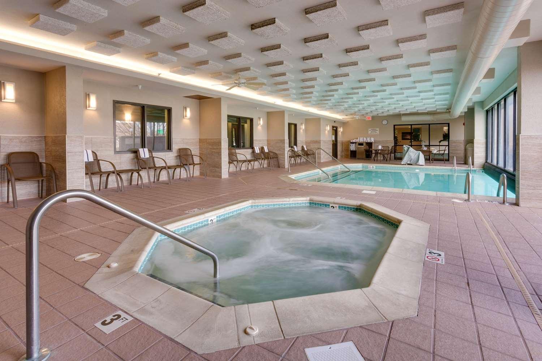 Pool - Drury Inn & Suites Overland Park