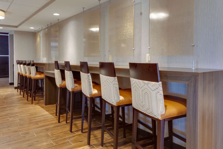 Restaurant - Drury Inn & Suites Overland Park