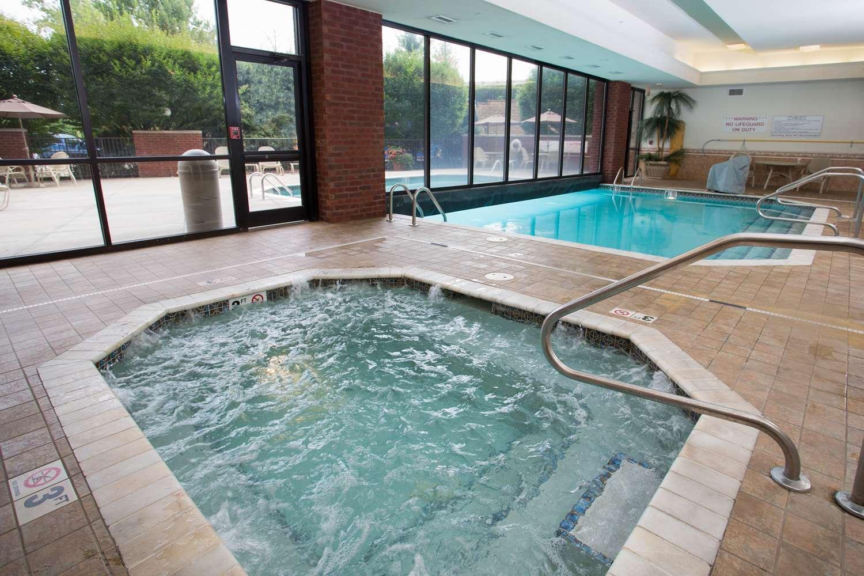 Pool - Drury Inn & Suites Convention Center Columbus