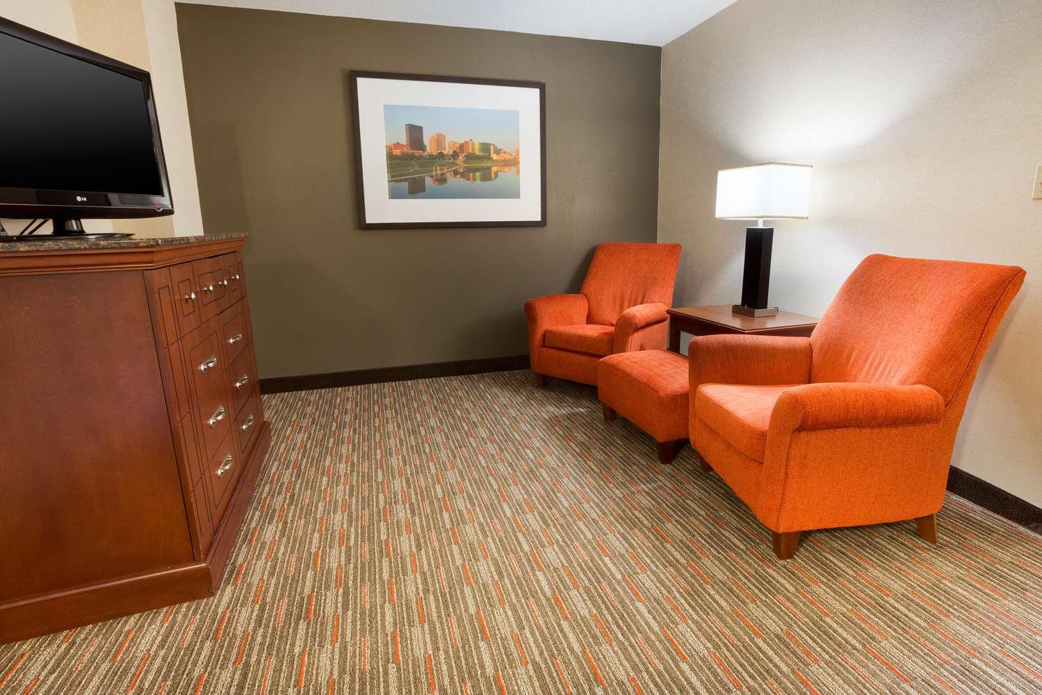 Room - Drury Inn & Suites North Dayton