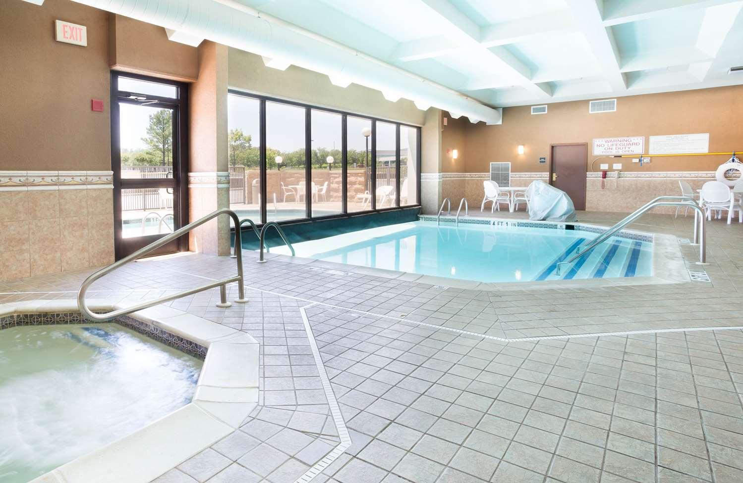 Pool - Drury Inn & Suites Southwest Birmingham