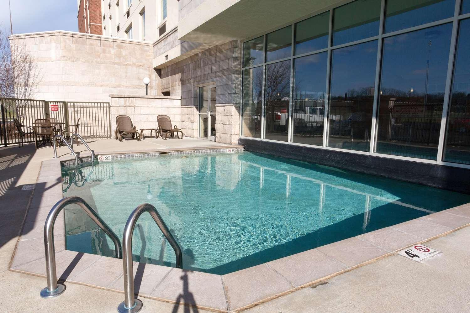 Pool - Drury Inn & Suites Sharonville