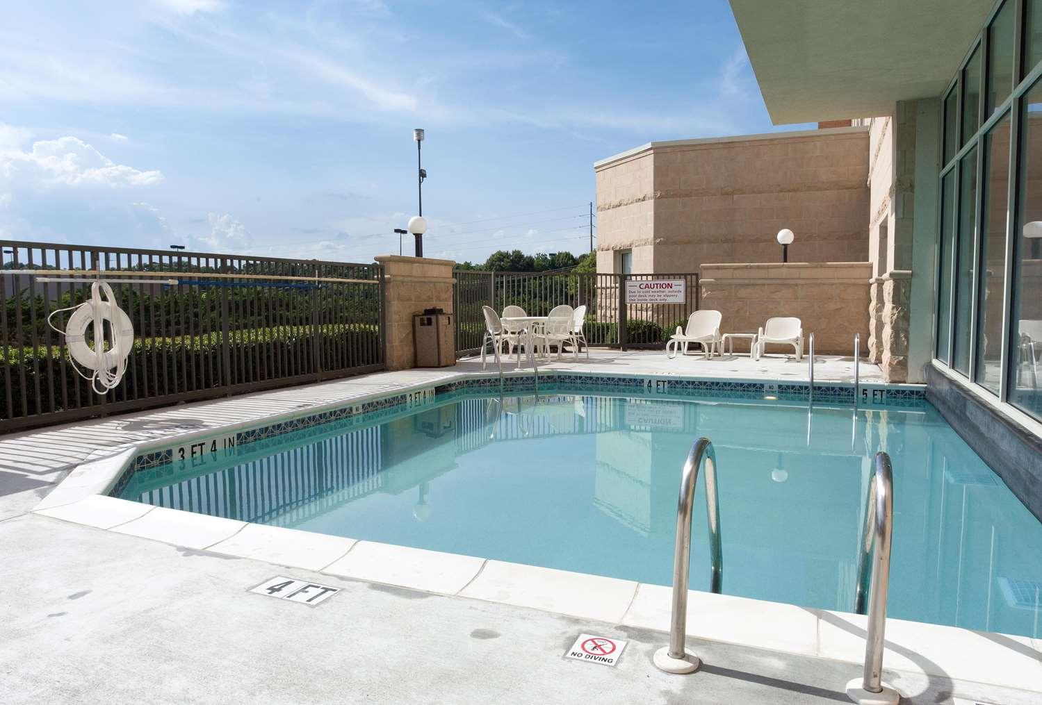 Pool - Drury Inn & Suites Montgomery