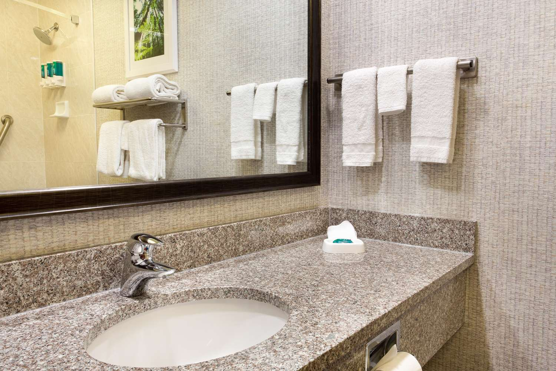 Room - Drury Inn & Suites Montgomery