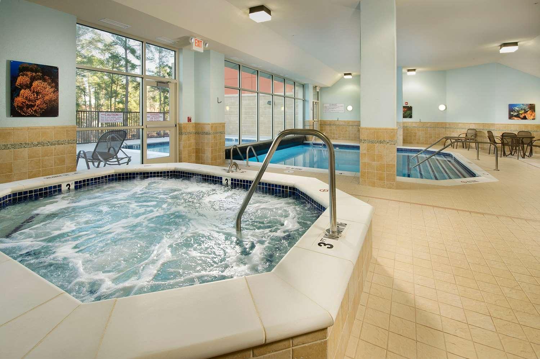 Pool - Drury Inn & Suites Valdosta