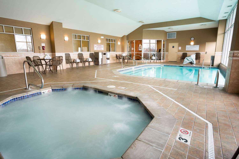 Pool - Drury Inn & Suites South Grove City