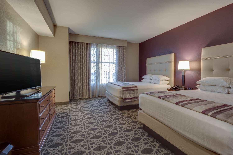 Room - Drury Inn & Suites Las Cruces
