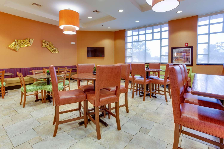 Drury Inn & Suites West Des Moines, IA - See Discounts