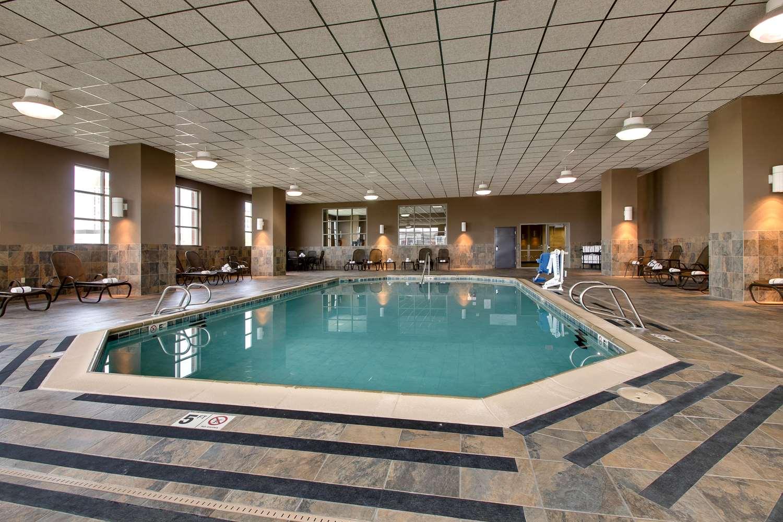 Pool - Drury Plaza Broadview Hotel Wichita