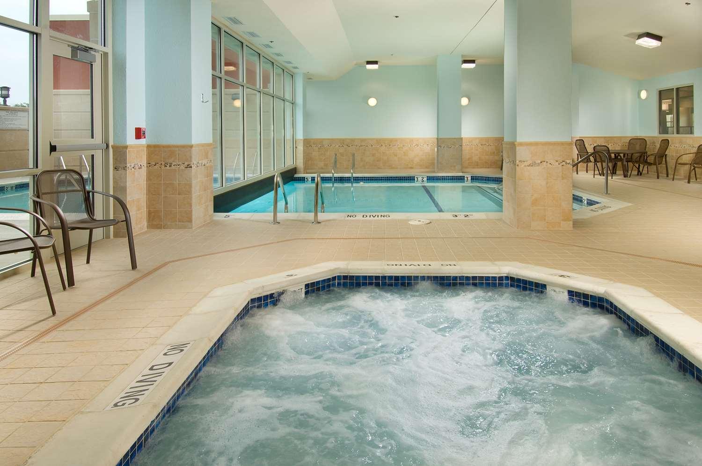 Pool - Drury Inn & Suites Blue Springs