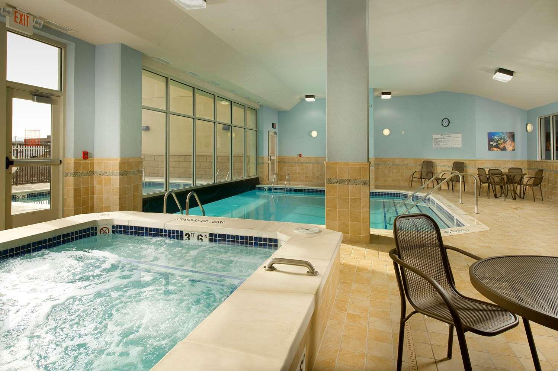 Pool - Drury Inn & Suites Westminster