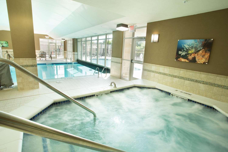 Pool - Drury Inn & Suites Brentwood