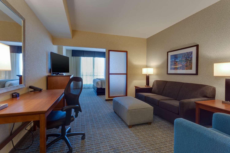 Room - Drury Inn & Suites Southwest Gainesville
