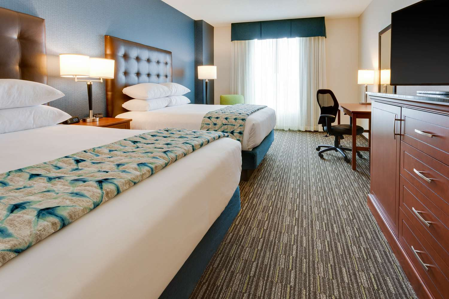 Room - Drury Plaza Hotel East Columbia