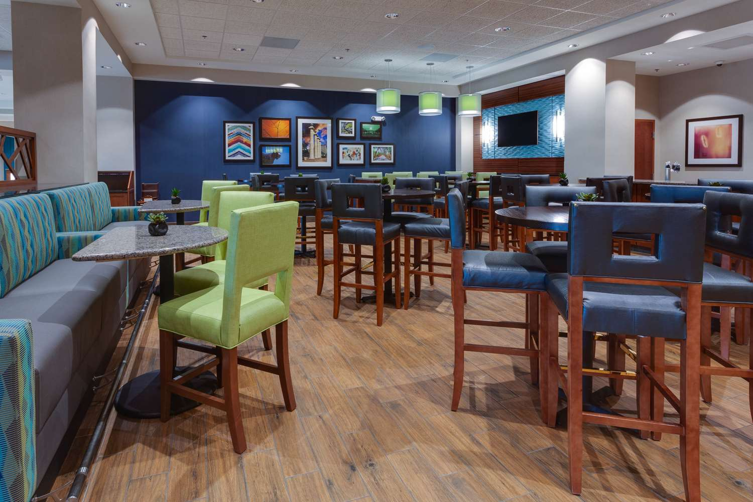Restaurant - Drury Plaza Hotel East Columbia