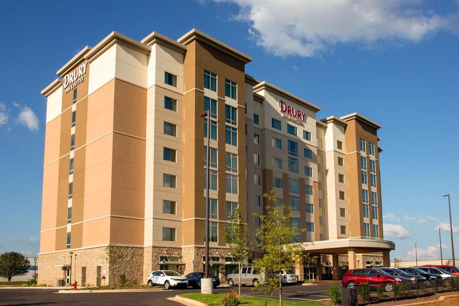Exterior view - Drury Inn & Suites Huntsville