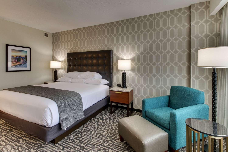 Room - Drury Plaza Hotel Richmond
